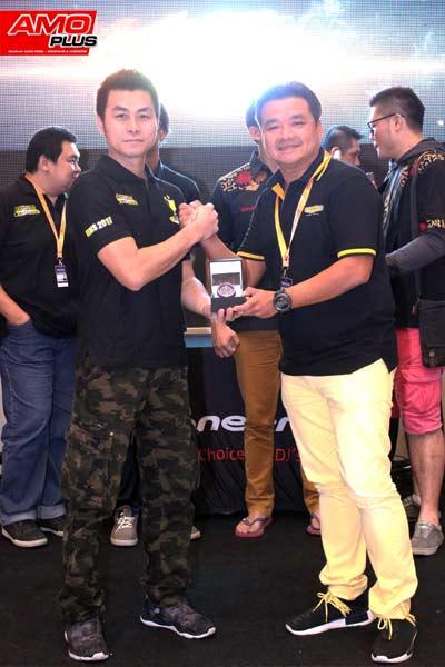 Hadiah Jam tangan Limited Edition dari VENOM AUDIO untuk team Audioworkshop karena telah juara di kelas ultimate CAN
