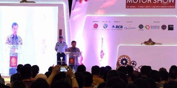 Wakil Presiden RI Jusuf Kalla resmikan pembukaan IIMS 2017
