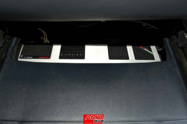 Vellfire-Bronson-Audio-Amplifier